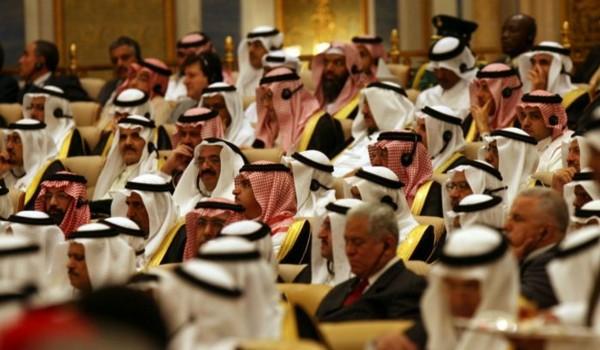 Perang dengan Iran, Saudi Ancam Amblaskan Harga Minyak