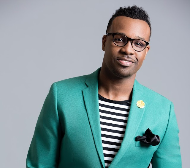 """VASHAWN MITCHELL HITS NO. 1 WITH JOYOUS TRACK, """"LIFTED UP"""""""