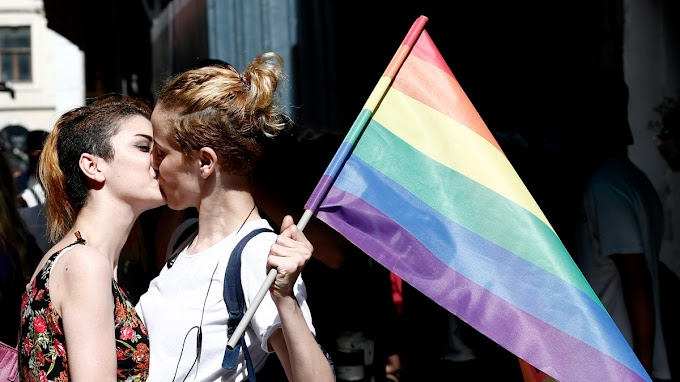 A Budapest Pride csapata szivárványzászlót küldött Orbán Viktornak