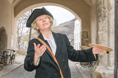 Christine Emberger als Martin Johann Schmidt  © Martina Hackel