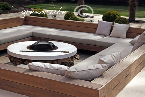 Greencube garden and landscape design uk tulip time for Sunken seating