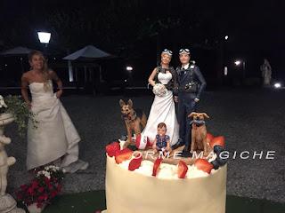 statuette per torta nuziale personalizzate sposi sub con bimba e due cani subacquei milano orme magiche