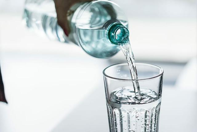 علامات تدل على انك لا تشرب كمية كافية من الماء