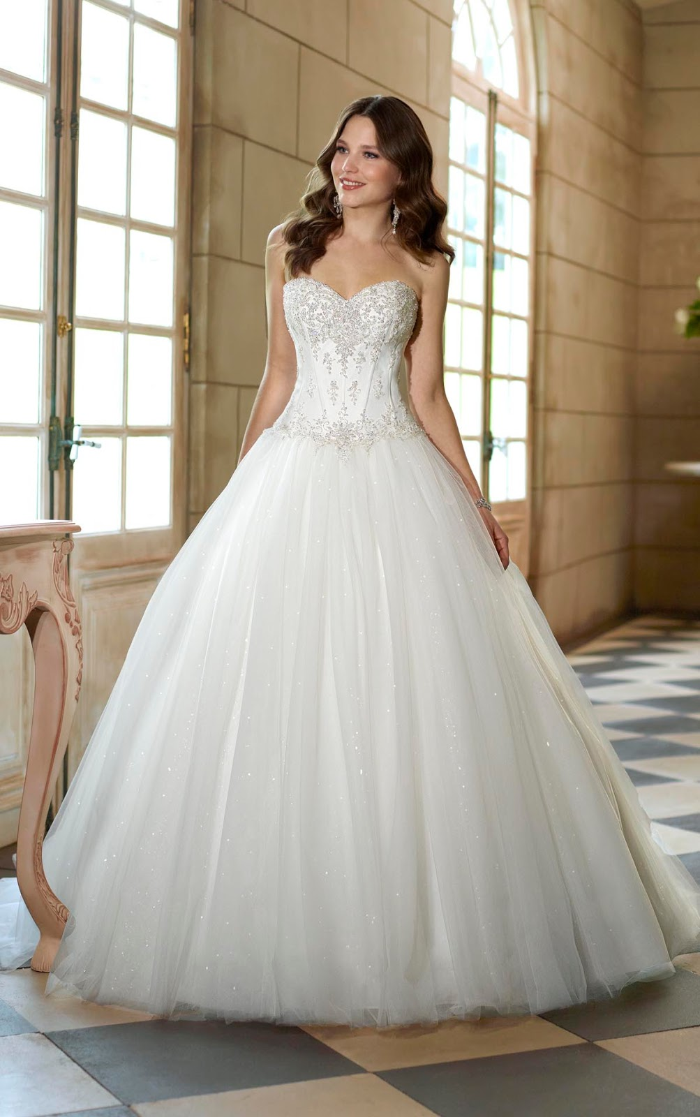 Wearing White To A Wedding.2015 Autumn And Winter White Beautiful Wedding Dress