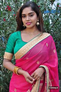Karunya-Chowdary-Latest-Stills-at-Pochampally-Weavers-IKAT-Mela