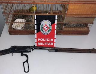 POLÍCIA MILITAR APREENDE 01 ARMA DE FOGO E 02 AVES SILVESTRES NO MUNICÍPIO DE SANTA RITA-PB