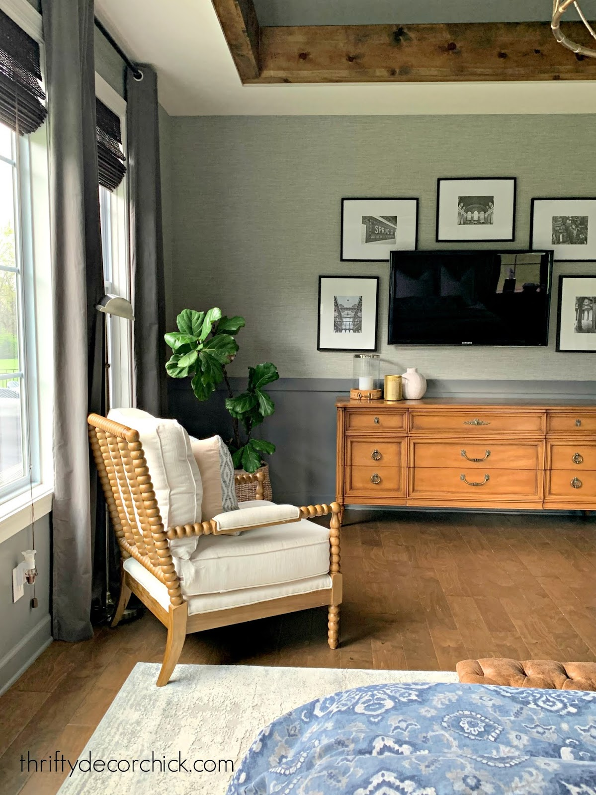 gray room gray grasscloth wallpaper