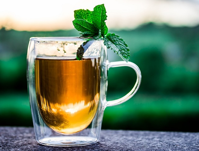water green tea coffee reduce body weight caffeine weightloss