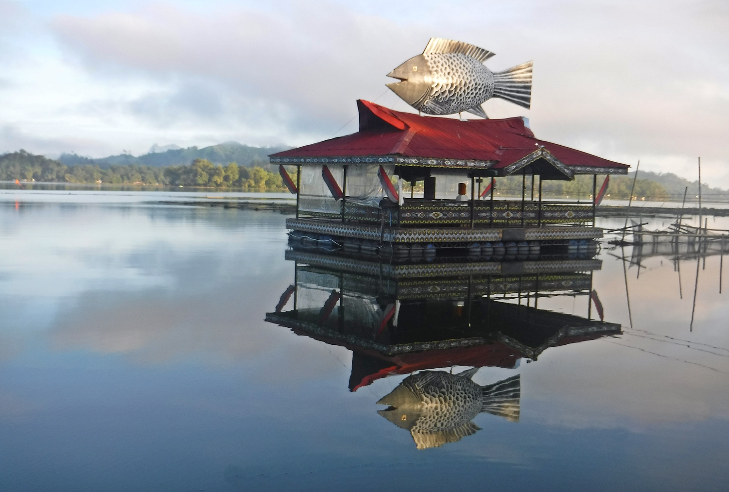 Iconic Floating Restaurant Punta Isla Lake Resort