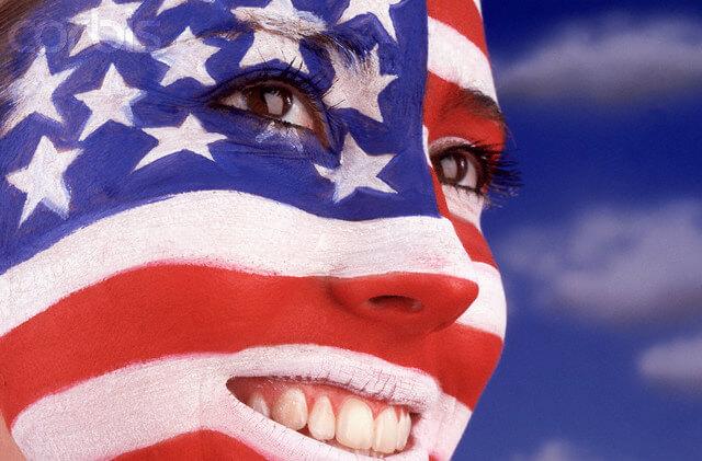كيفية الحصول على الجنسية الأمريكية: 4 طرق بسيطة