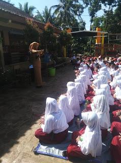 Hastin Widiyanti, S.Pd.SD.,M.Pd memberikan sosialisasi Covid-19 PHBS dan belajar di rumah