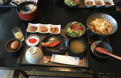 杓凪華の朝食