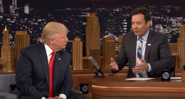 Fallon demuestra que Trump no usa peluca en su programa