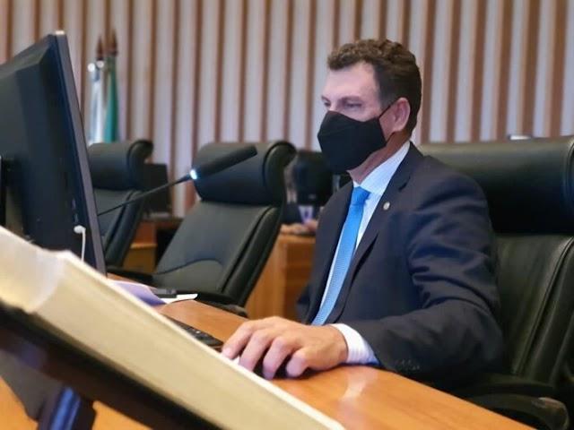 Projetos de Leis do deputado Iolando são lidos durante retorno de sessão presencial das atividades legislativas