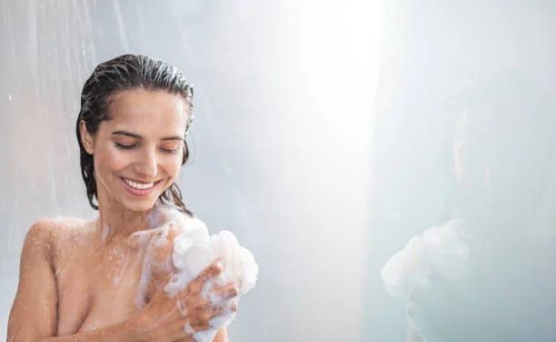 Ciencia lo confirma tomar una ducha por la noche es mejor