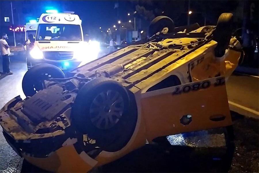Diyarbakır Batıkent kavşağında kaza: 2 kişi yaralı