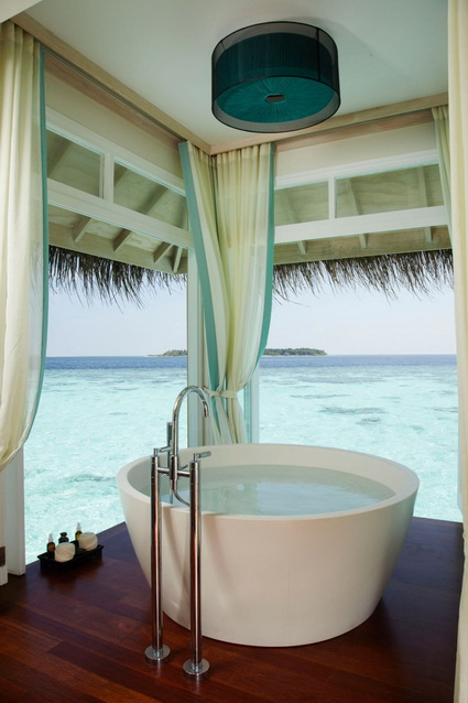 10 bathrooms with incredible views 4