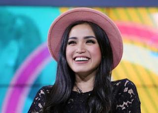 Jessica Iskandar Keluhan Posting Selingkuh