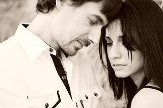 Néhány jele annak, hogy őszintén szerelmes beléd a férfi, akivel együtt vagy