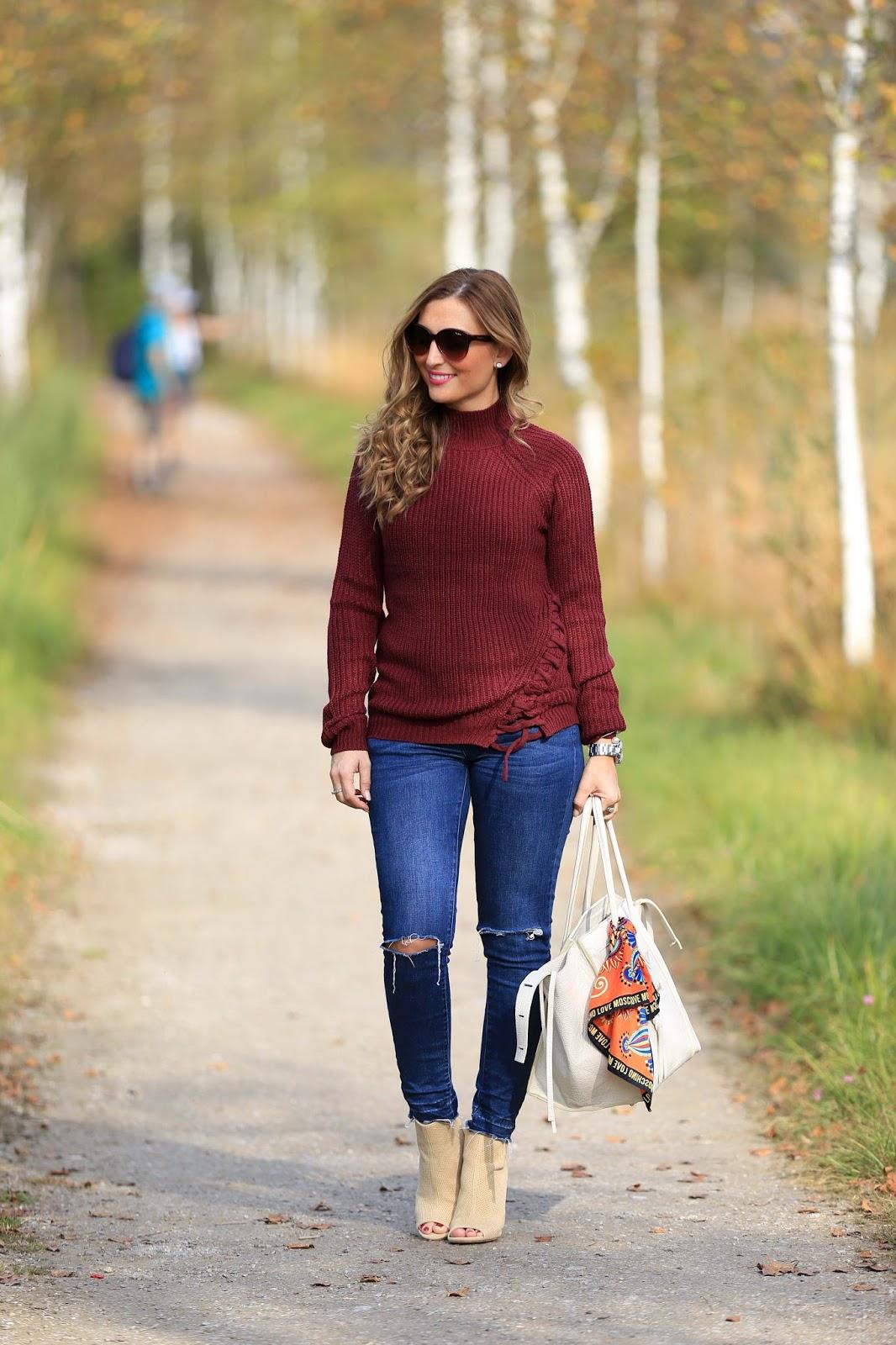Blogger style im Herbst - Herbstlook - Blogger Herbstlook - Musthaves im Herbst - Bordeaux - Beige- Pulloiver in Bordeaux - Bordeaux Bloggerpulli - Was ziehe ich im Herbst an- Fashionstylebyjohanna- Fashionblogger Deutschland