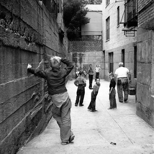 Fascinating Black And White Photographs Captured Street