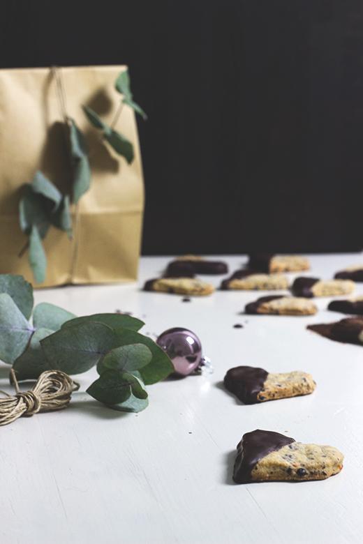 Schokoladen-Orangen-Plätzchen - prima Idee für die Weihnachtszeit. Holunderweg18