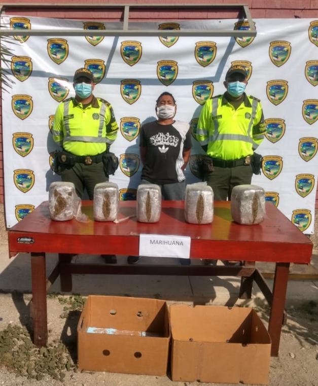 Cayó con 15 kilos de marihuana en la vía Barranquilla - Santa Marta
