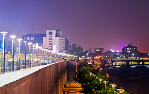 Ahmedabad - sabarmati riverfront HOW MANY MAJOR CITIES ARE THERE IN GUJARAT?
