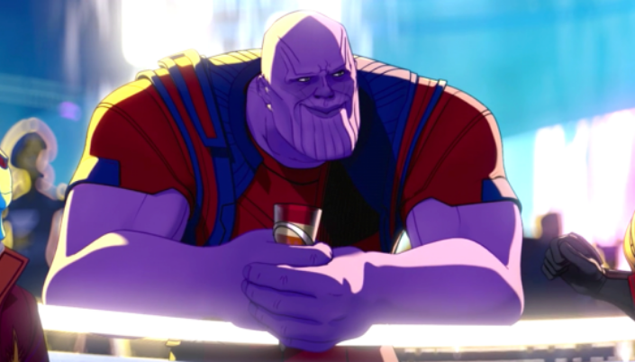 Imagem: o personagem Thanos, um enorme humanóide roxo careca, com braços musculosos, um queixo pronunciado com listras, segurando um copo num tipo de bar espacial, com luzes ao redor e figuras alienígenas conversando ao fundo.