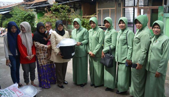 Kodim 0103/Aceh Utara Serahkan Bantuan Korban Kebakaran
