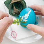How to...  Make Leaf Print Eggs - Step 4