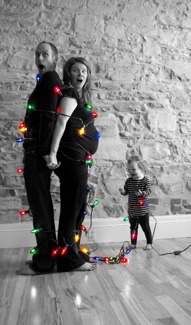 25 Cute Family Christmas Picture Ideas