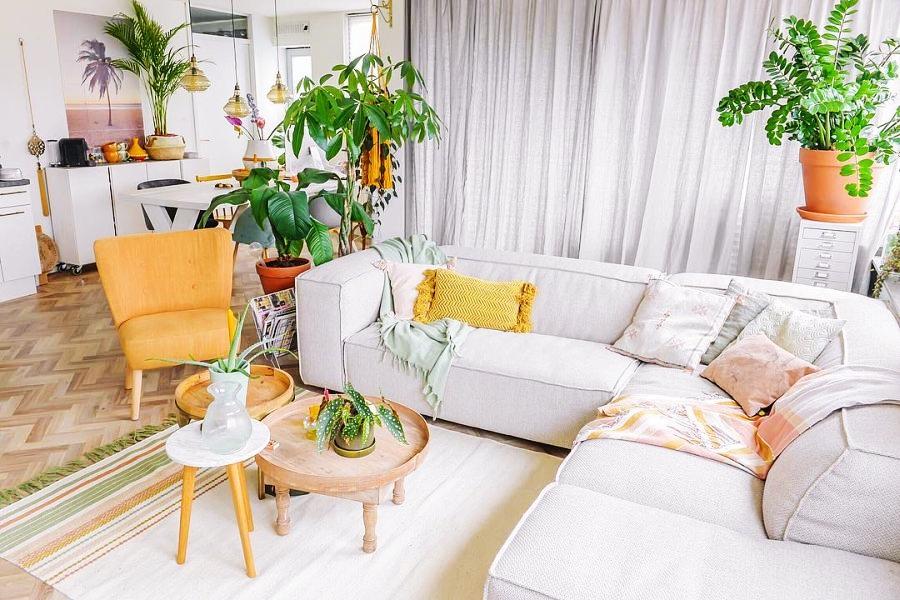 Skandynawski apartament z arabskimi akcentami, wystrój wnętrz, wnętrza, urządzanie domu, dekoracje wnętrz, aranżacja wnętrz, inspiracje wnętrz,interior design , dom i wnętrze, aranżacja mieszkania, modne wnętrza, styl skandynawski, scandinavian style, otwarta przestrzeń, open space, salon, living room, pokój dzienny,