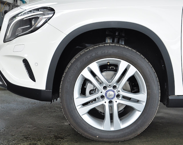 Mercedes GLA 200 sử dụng mâm xe 18-Inch