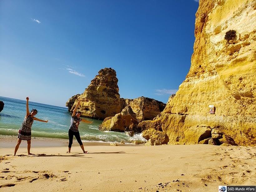 Posando na Praia da Marinha - Algarve