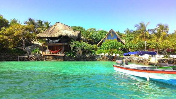 Reservas-festivo-Día-Raza-kayak-Turismo