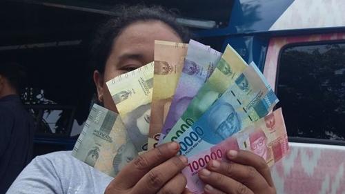 Hore! Bansos Tunai Rp600.000 Cair Besok