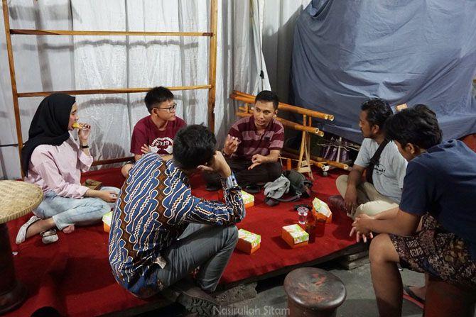 Diskusi kecil tentang desa wisata