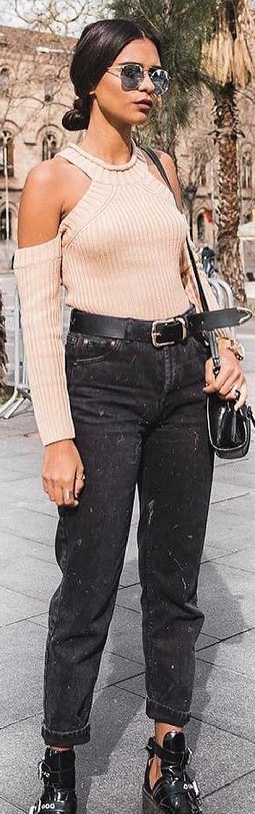 beige top + grunge jeans