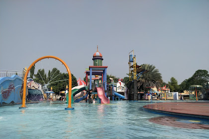 Kakak Alika ngajak berenang di Depok Fantasi Waterpark Aladdin