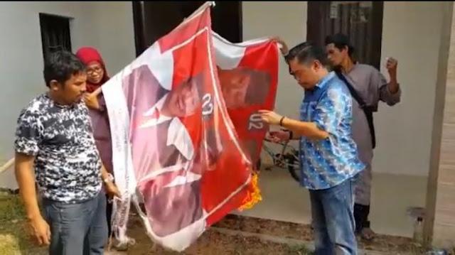 Bakar Spanduk hingga Tukang Ojek Menangis, 4 Kekecewaan Pendukung Prabowo