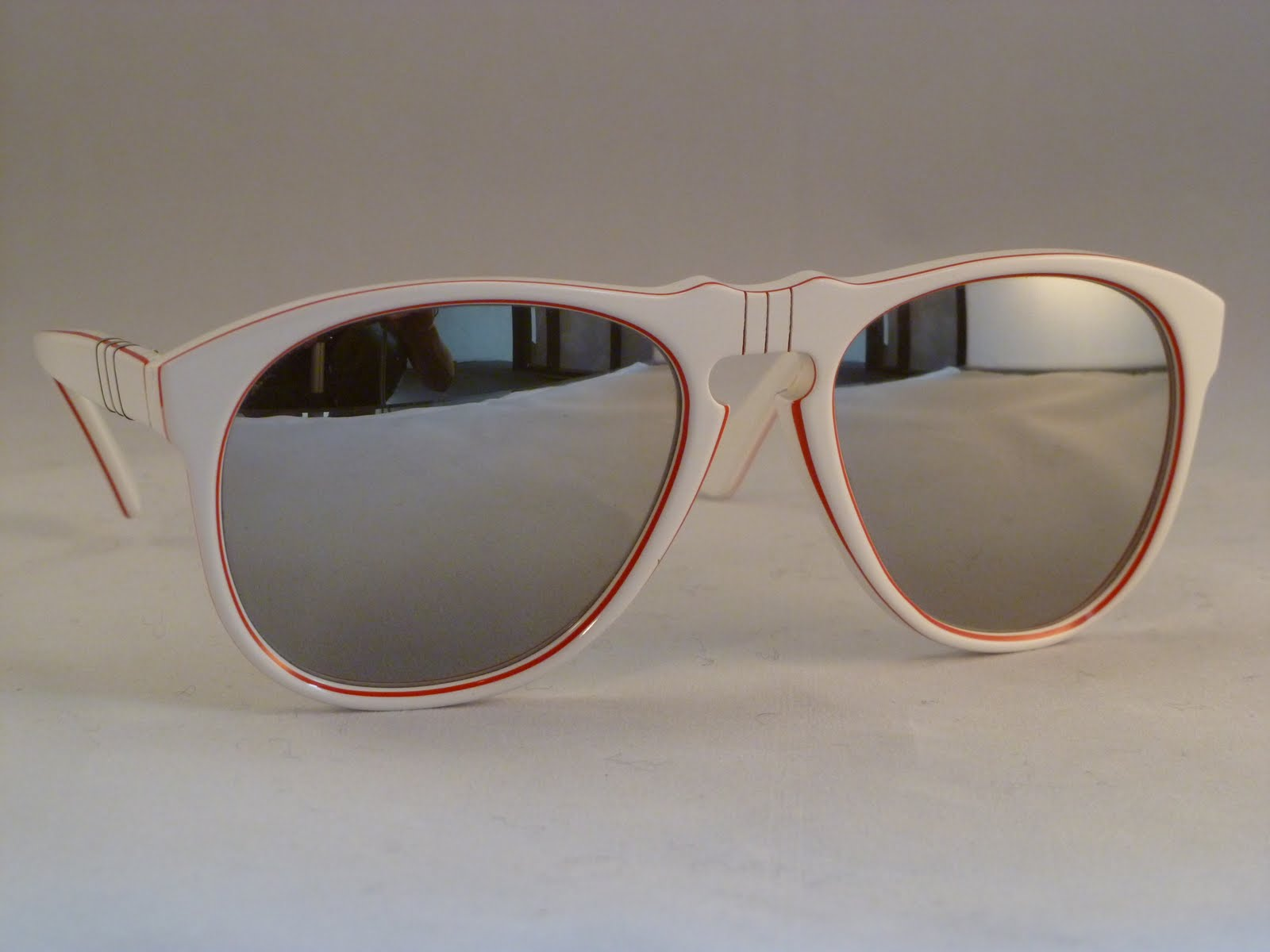 2fb3dd8df3 Persol sport classic limited edition featuring Victor Flex bridge. One  available