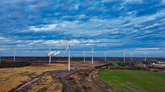 Perbedaan energi alternatif dan energi terbarukan