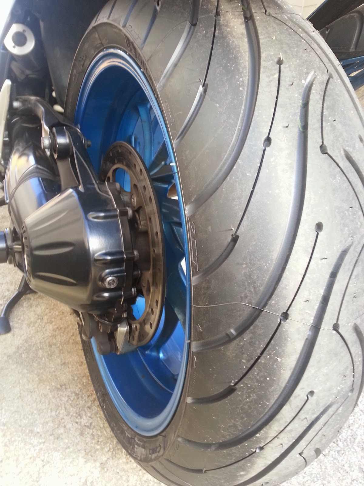 east west brothers garage product review michelin pilot road 3 sport touring tires. Black Bedroom Furniture Sets. Home Design Ideas