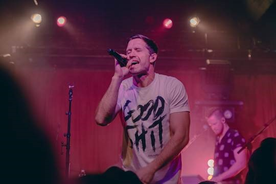 Country Music Star Walker Hayes Has Been Having The Time Of His Life Performing For Fans During Dream On It Tour Which Hit Road Earlier This