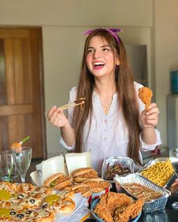 Dananeer Mobeen Aka The Pawri Girl | Dananeer Mobeen Age, Family, Boyfriend and Full Biography