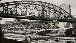 La zona del silo durante la inauguración del puente (1935)