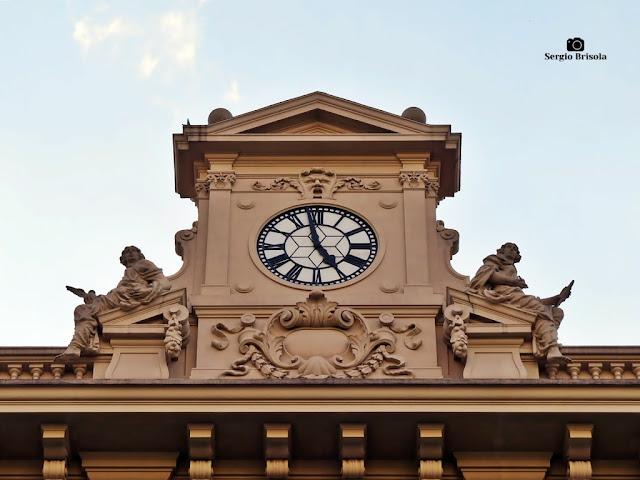 Close-up do Relógio do Palácio dos Correios - Centro - São Paulo
