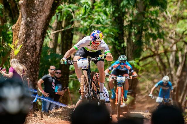 Henrique Avancini venceu pela 8ª vez em Araxá - Foto: Cesar Delong / CIMTB Michelin