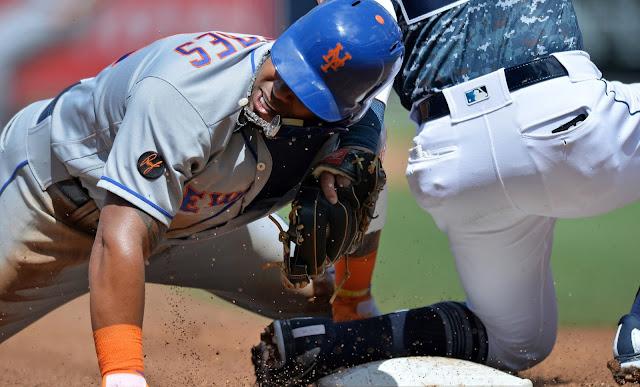 Céspedes se lesionó al lanzarse de cabeza en la tercera base en la tercera entrada, y fue reemplazado por Brandon Nimmo en el jardín izquierdo. Los rayos-X no revelaron fractura.